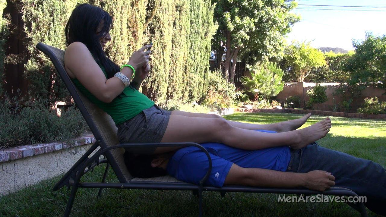 Goddess Ashli In Scene: Ass On Face #107 - MENARESLAVES - HD/720p/MP4