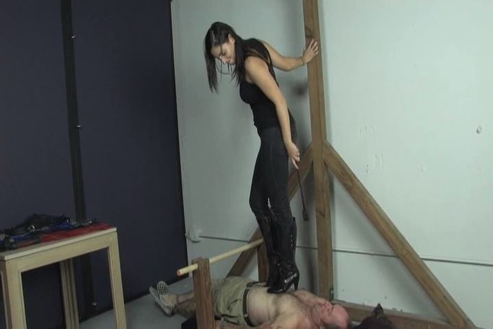 Mistress Amelia In Scene: Amelia is wearing skin tight jeans and knee high leather boots - VIOLENTCHICKS - SD/480p/MP4