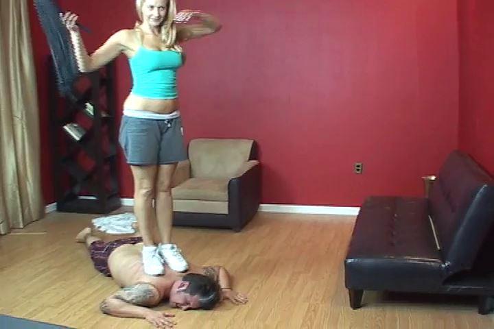 Mistress Mandi In Scene: Mandi delivers a horrible beating to her slave - VIOLENTCHICKS - SD/480p/MP4