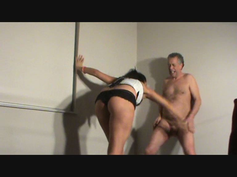 MISTRESS ELECTRA TEACHES THE HUSTLER A LESSON - BUSTEDBALLS - SD/576p/MP4