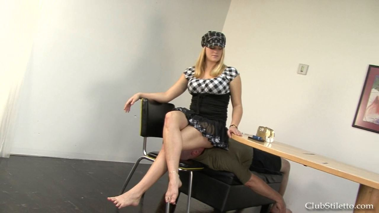 Mistress Britney In Scene: MY Makeup Chair - CLUBSTILETTO - HD/720p/MP4