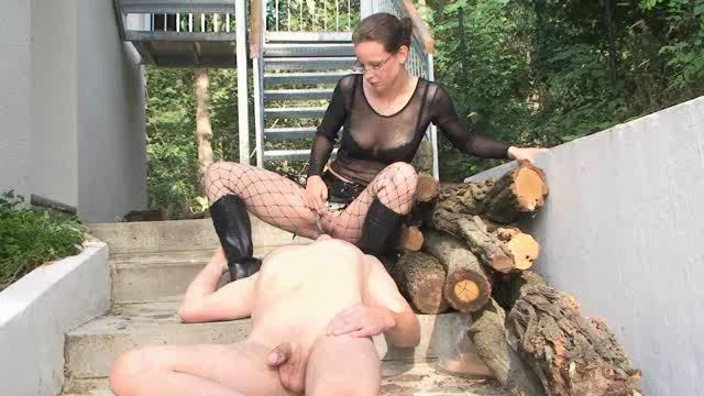 Annika Bond In Scene: Slave piss in your mouth - ERONITE-FEMDOM - LQ/360p/MP4