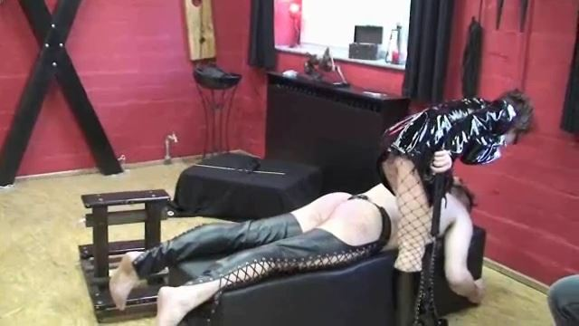 Annika Bond In Scene: The lady's dirty victim - ERONITE-FEMDOM - LQ/360p/MP4