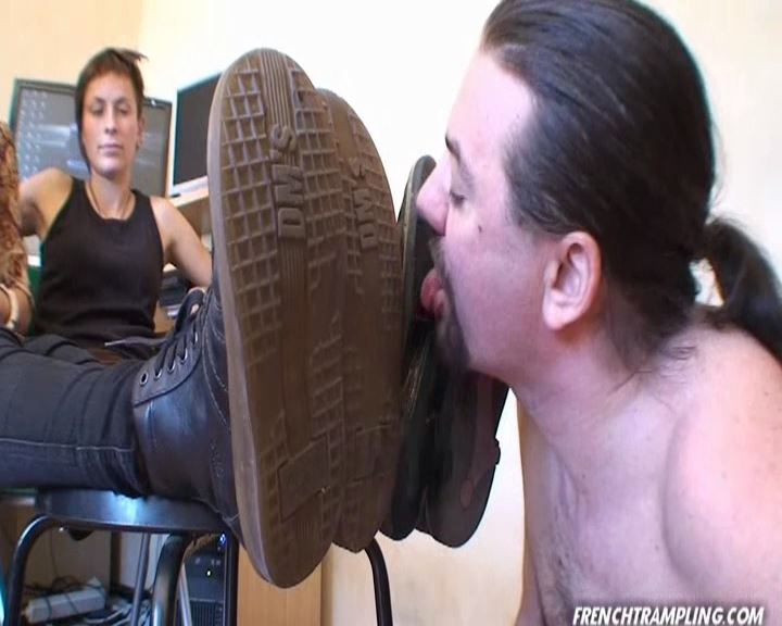 Boots licking - FRENCHTRAMPLING - SD/576p/MP4