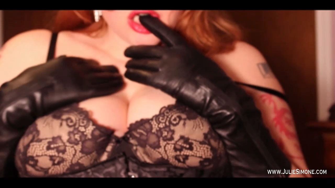 Julie Simone In Scene: Leather Gloves and Boobs - JULIESIMONE - HD/720p/MP4