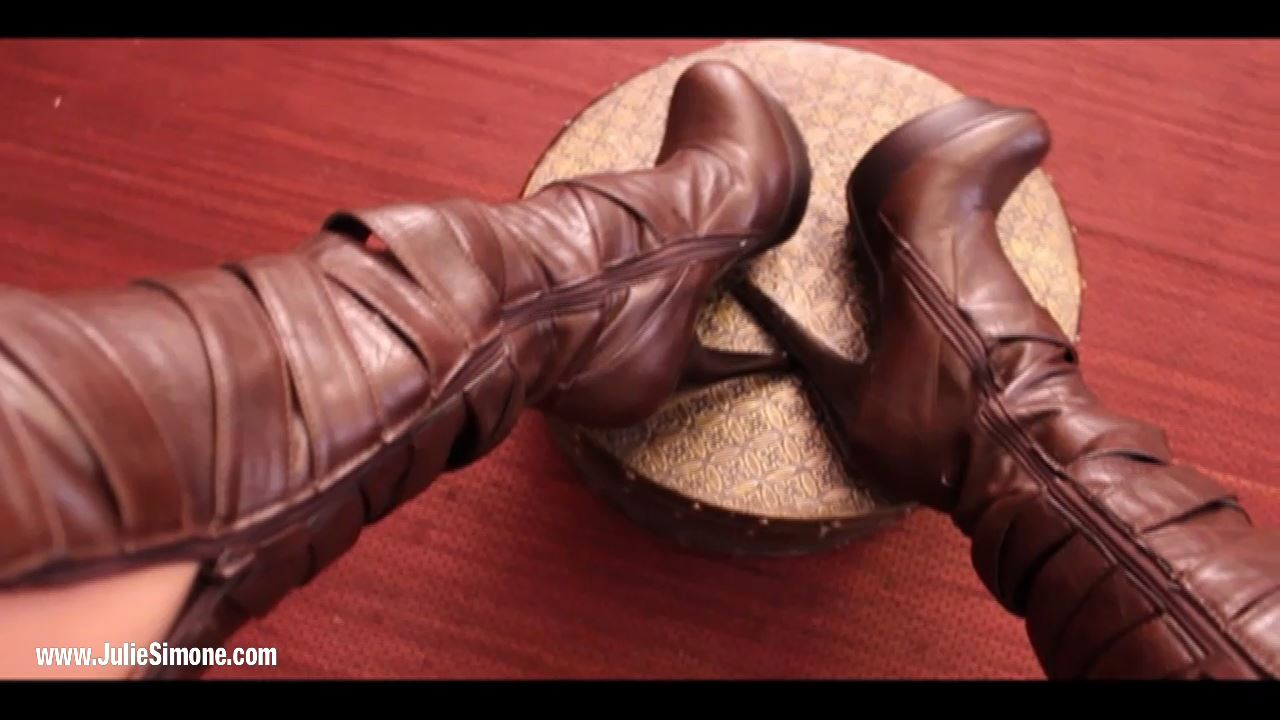 Julie Simone In Scene: Leather Boots JOI Cum Countdown - JULIESIMONE - HD/720p/MP4