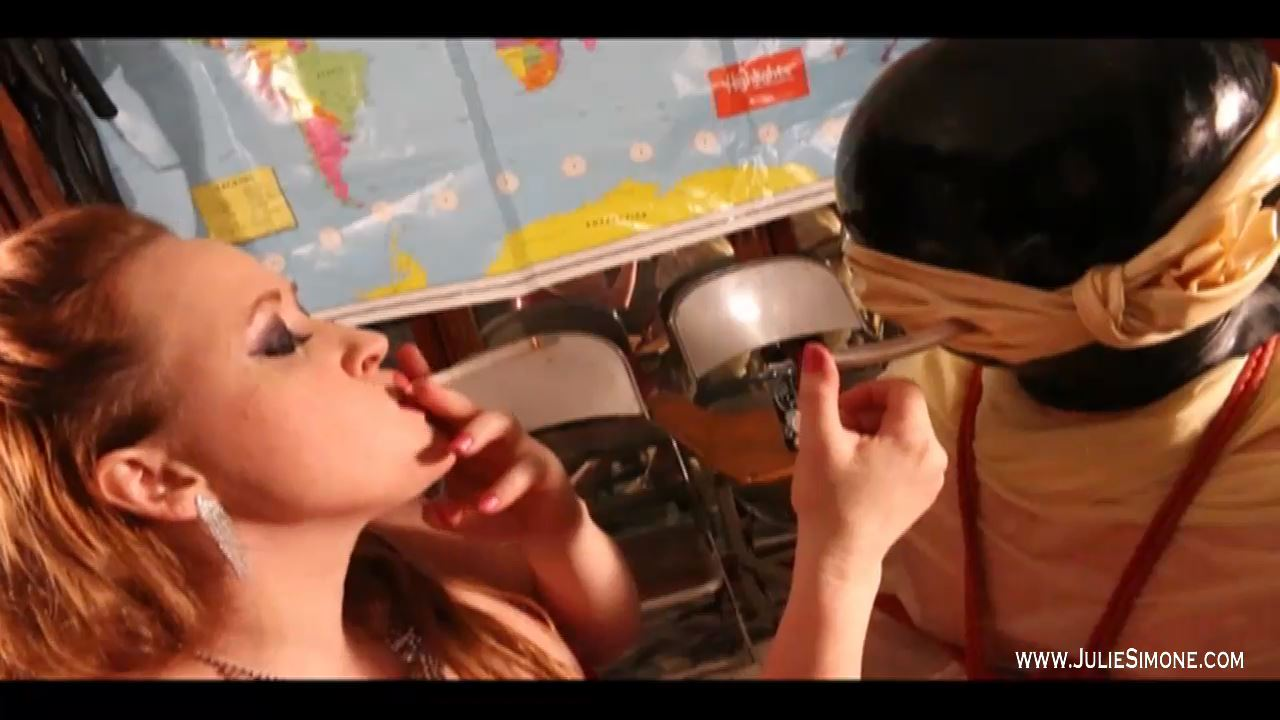 Julie Simone, Felix In Scene: Latex Breathplay Inflatable Smoke - JULIESIMONE - HD/720p/MP4