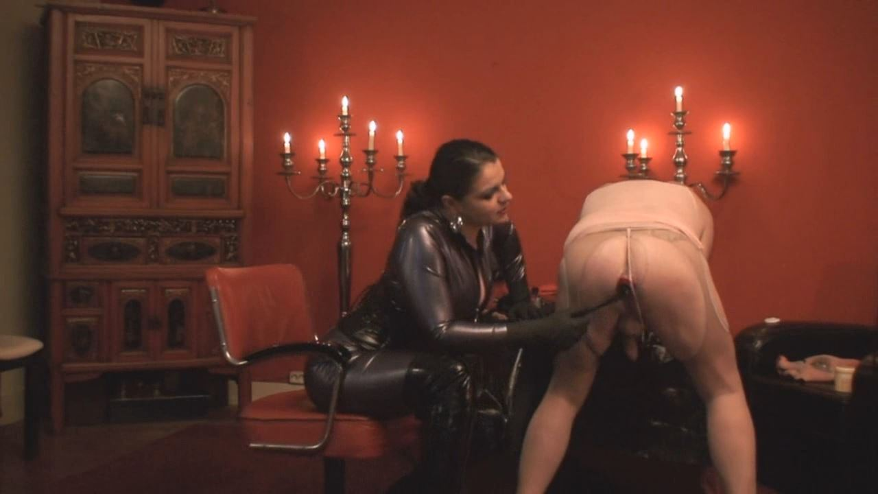 Lady Asmodena In Scene: Mad For Fist 3 - STRAPON-GODDESS - HD/720p/MP4