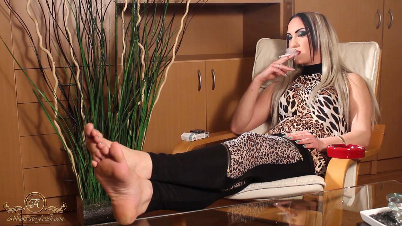 Goddess Clarissa In Scene: Clarissa Smoking Foot View 2 - ABBIECATFETISH - HD/720p/MP4