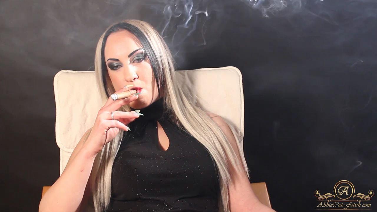 Goddess Clarissa In Scene: Clarissa Smoking Cigar - ABBIECATFETISH - HD/720p/MP4