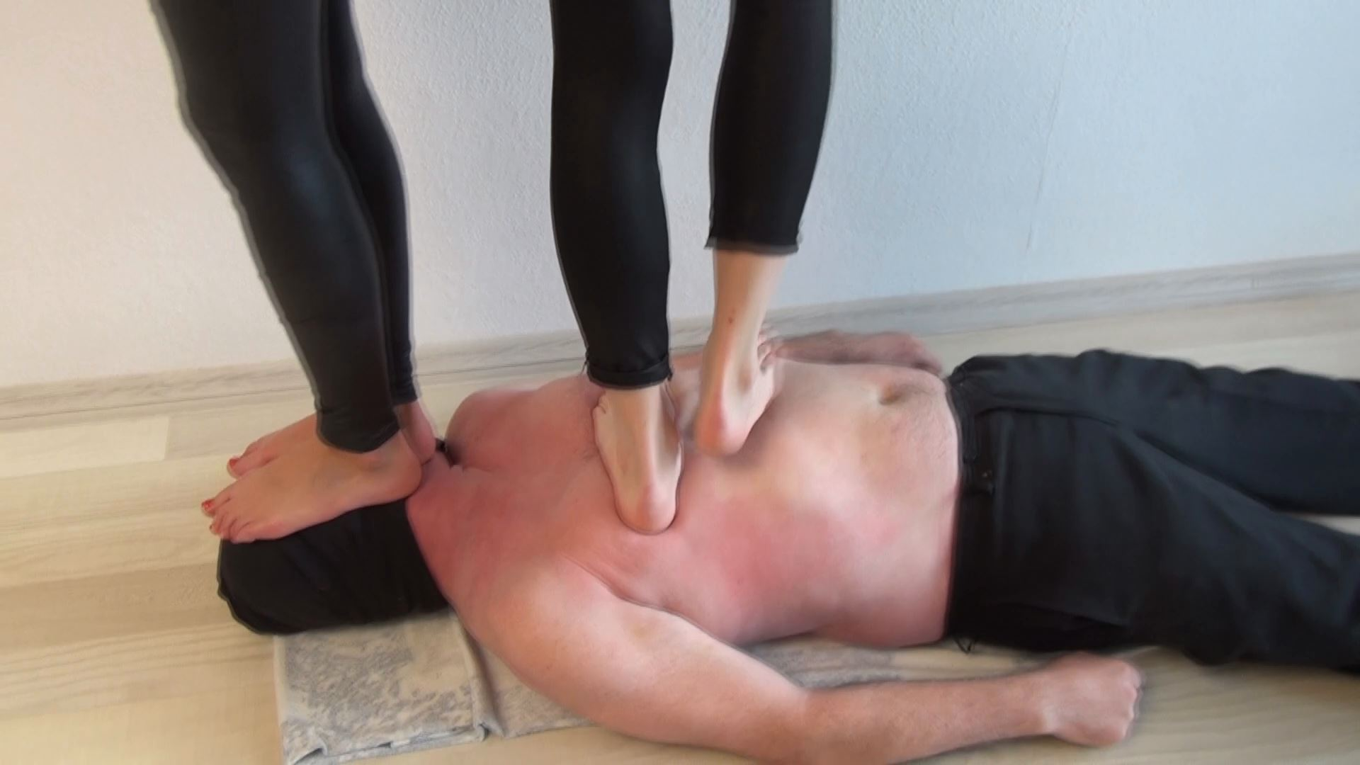 Mistress Loren, Candy In Scene: Hard trampling barefoot - ABBIECATFETISH - FULL HD/1080p/MP4