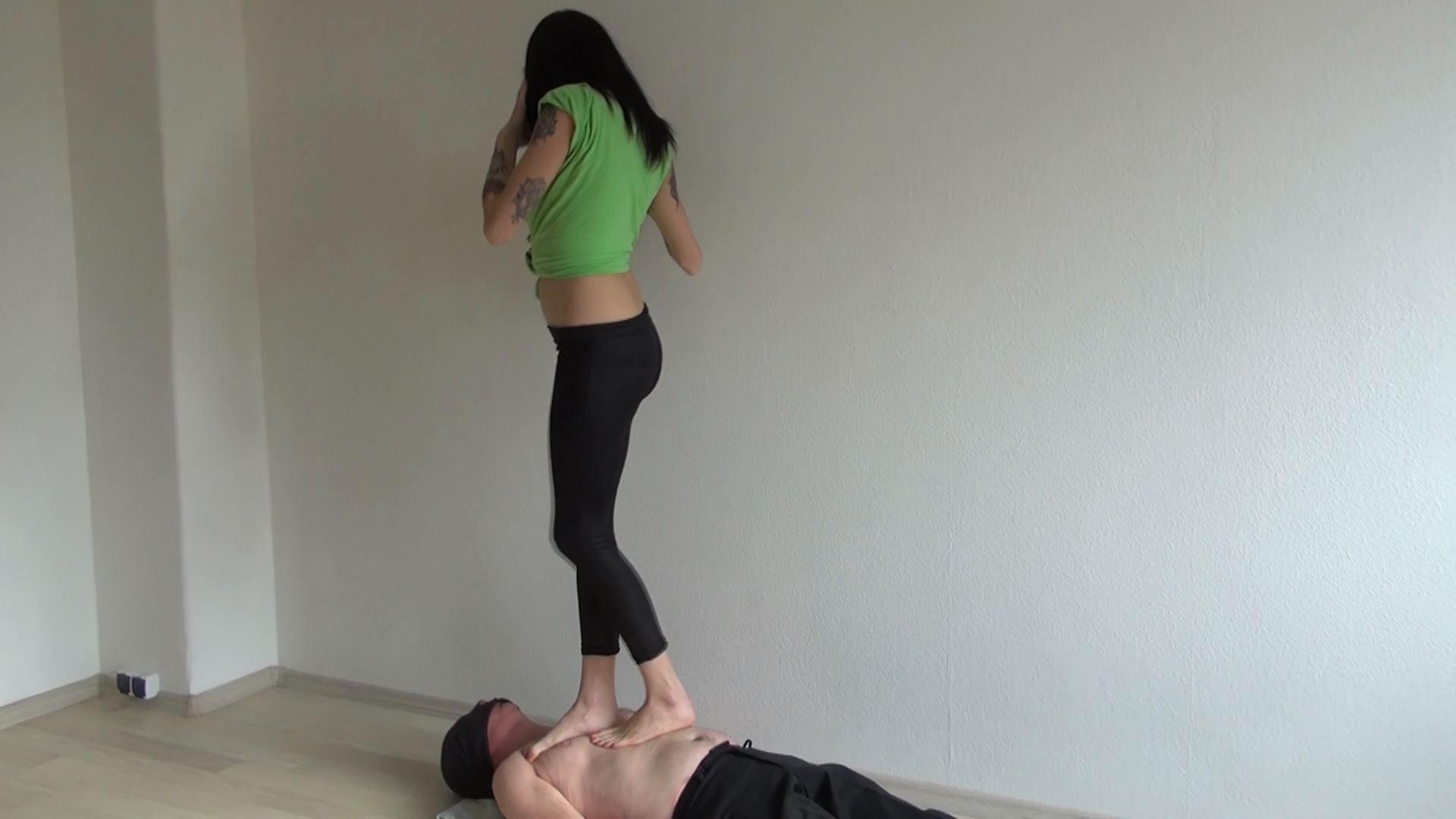 Mistress Loren In Scene: Sexy Loren trampling - ABBIECATFETISH - FULL HD/1080p/MP4