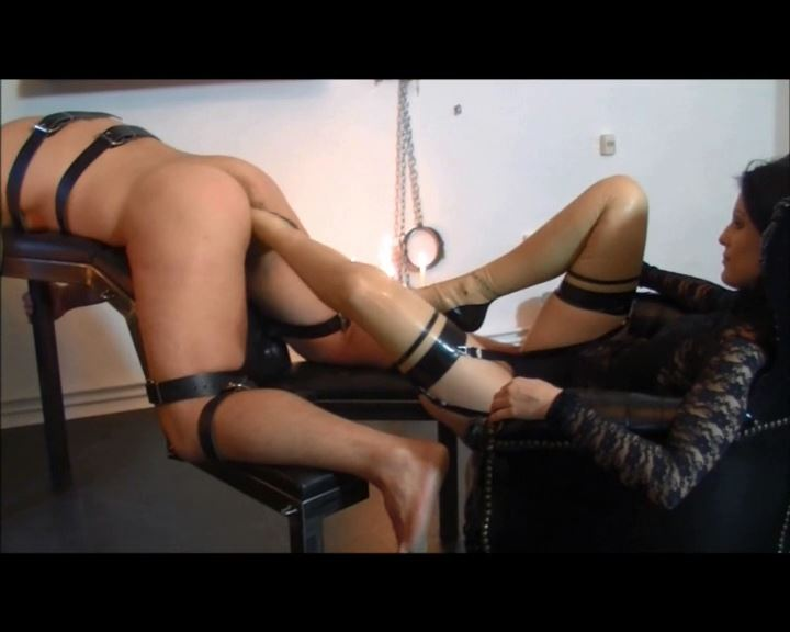 Mistress Blackdiamoond In Scene: Foot fisting - CLIPS4SALE / BLACKDIAMOOND - SD/576p/MP4