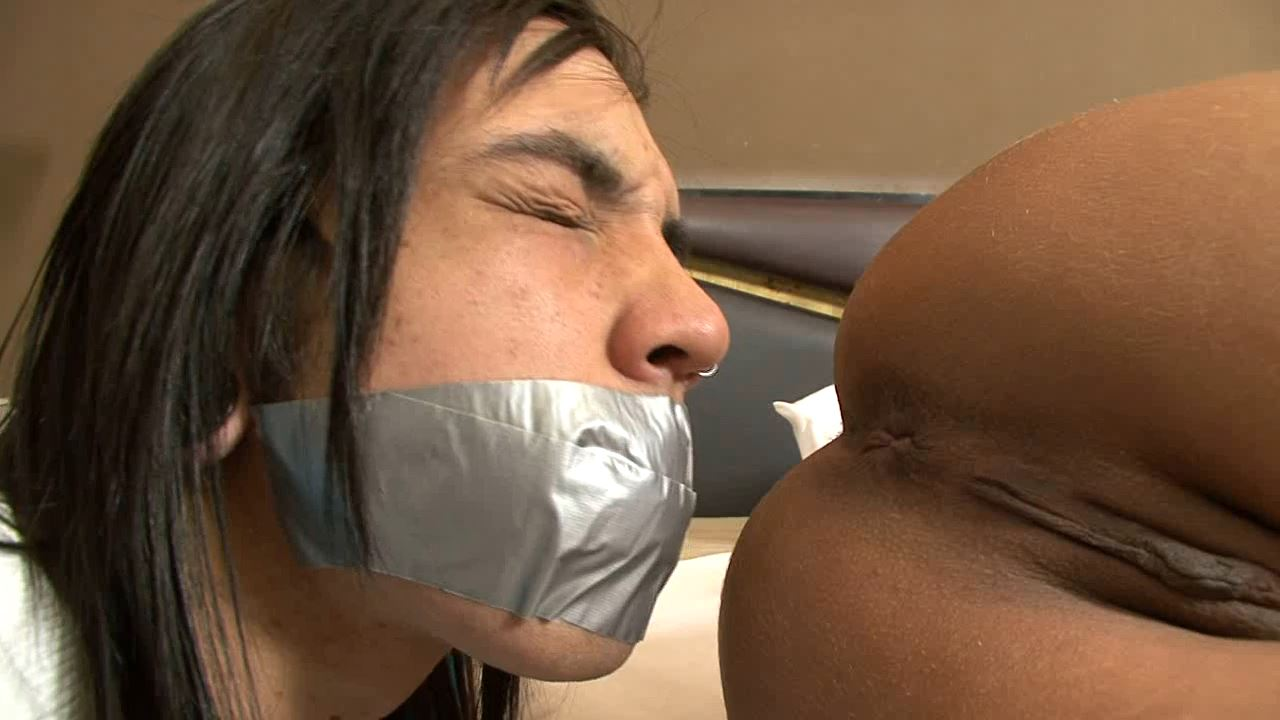 Simply Smelly - BRAZILFEMDOM - HD/720p/MP4