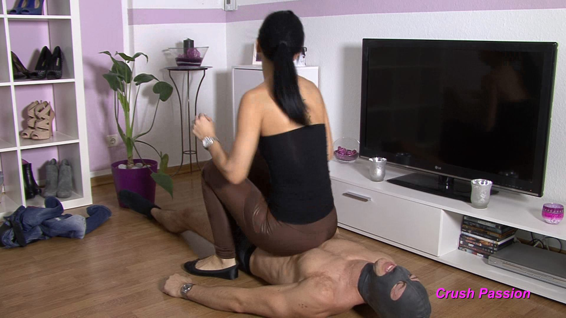 Mistress Chanel In Scene: Slave Under My Ass - CLIPS4SALE / CRUSH PASSION - FULL HD/1080p/MP4
