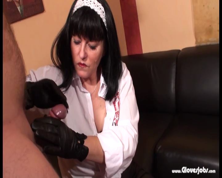 Cum on Footsoles by Leathergloved Mistress - GLOVESJOBS - SD/576p/MP4