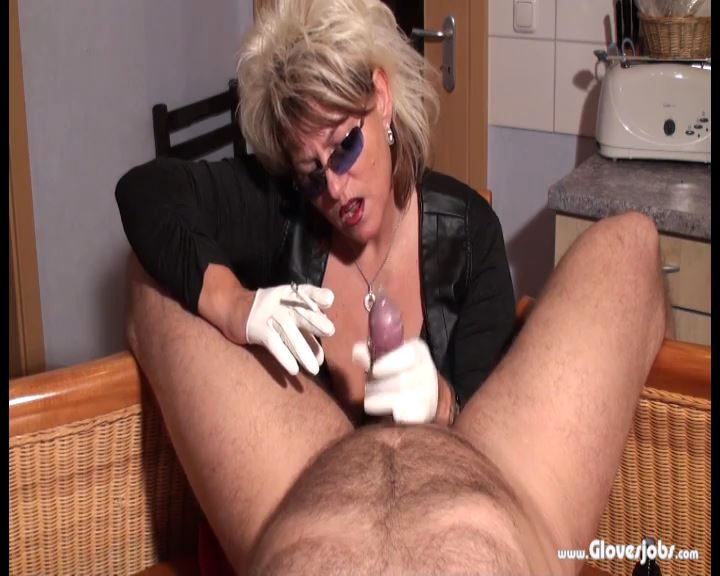 Smoking Blowjob with Leathergloved - GLOVESJOBS - SD/576p/MP4