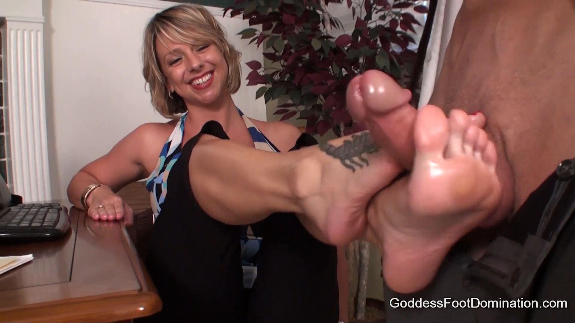 Goddess Brianna In Scene: The Boss' Wife - GODDESSFOOTJOBS - FULL HD/1080p/MP4