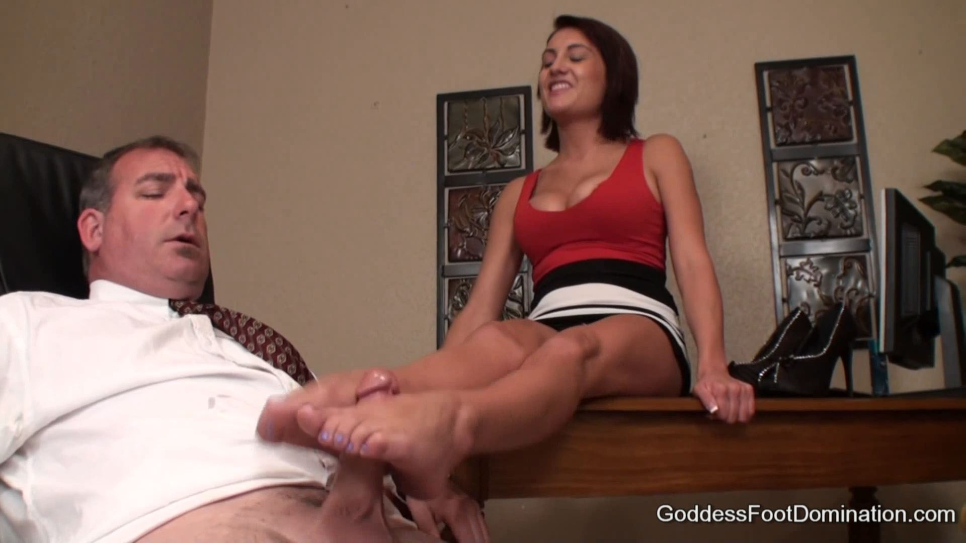 Goddess Chase In Scene: The Bosses Daughter - GODDESSFOOTJOBS - FULL HD/1080p/MP4