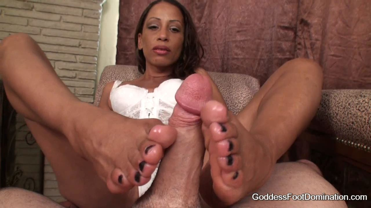 Goddess Gia In Scene: Goddess Gia's Footjob - GODDESSFOOTJOBS - HD/720p/MP4