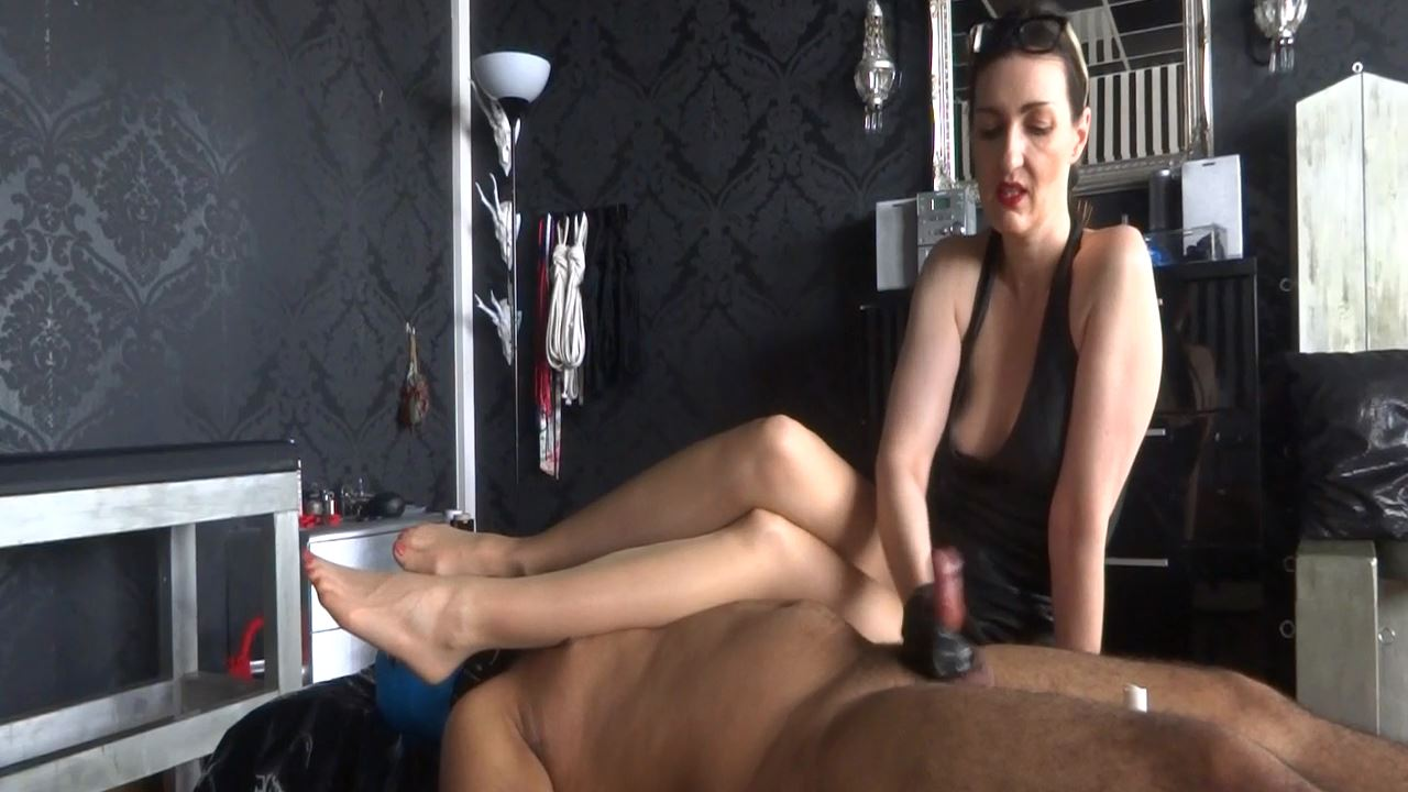 Lady Victoria Valente In Scene: Slave Theo foot smelling handjob Part 8 - CLIPS4SALE / LADYVICTORIAVALENTE - HD/720p/MP4