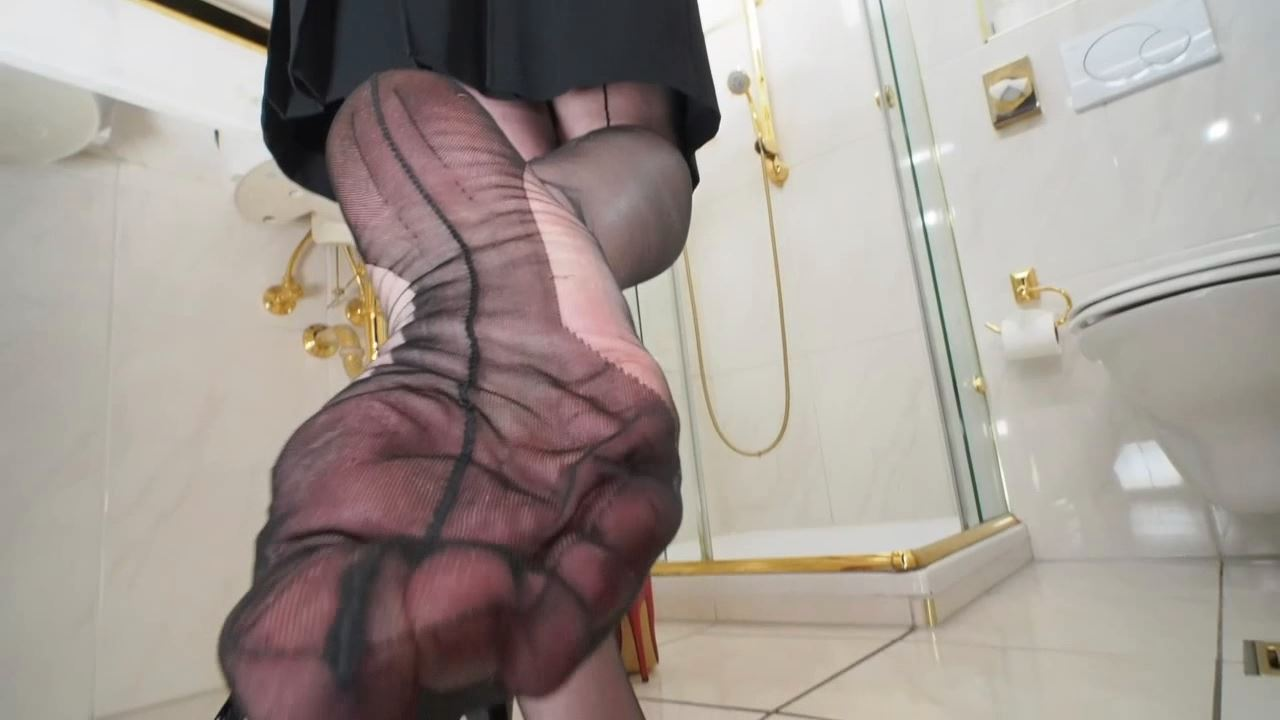 Lady Victoria Valente In Scene: 6 inch heels ff stockings fetish - CLIPS4SALE / LADYVICTORIAVALENTE - HD/720p/MP4