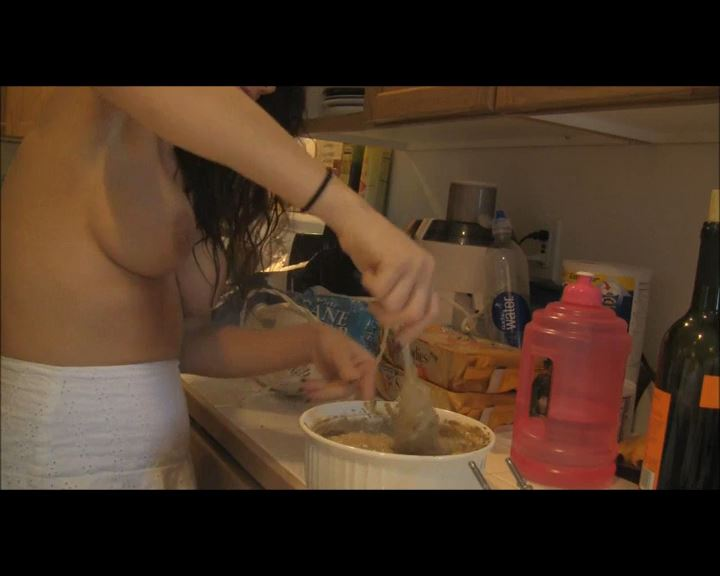 Mandy Flores In Scene: Shit Filled Shortbread Cookies - MANDYFLORES - SD/576p/MP4