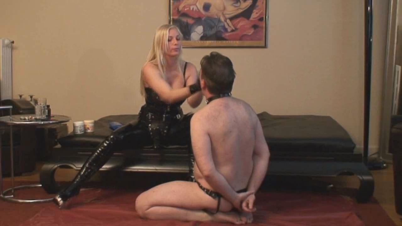 Lady Asmodena In Scene: Strapon Seduction - STRAPON-GODDESS - HD/720p/MP4