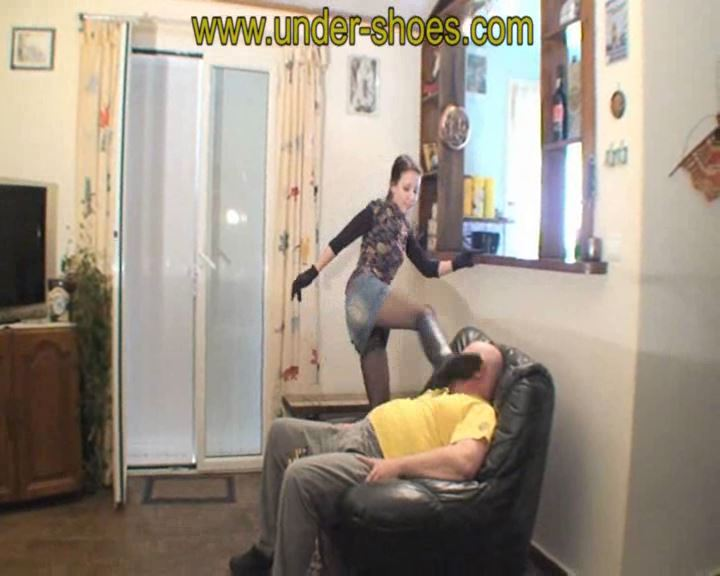 Busting Katarina - UNDER-SHOES - SD/576p/WMV