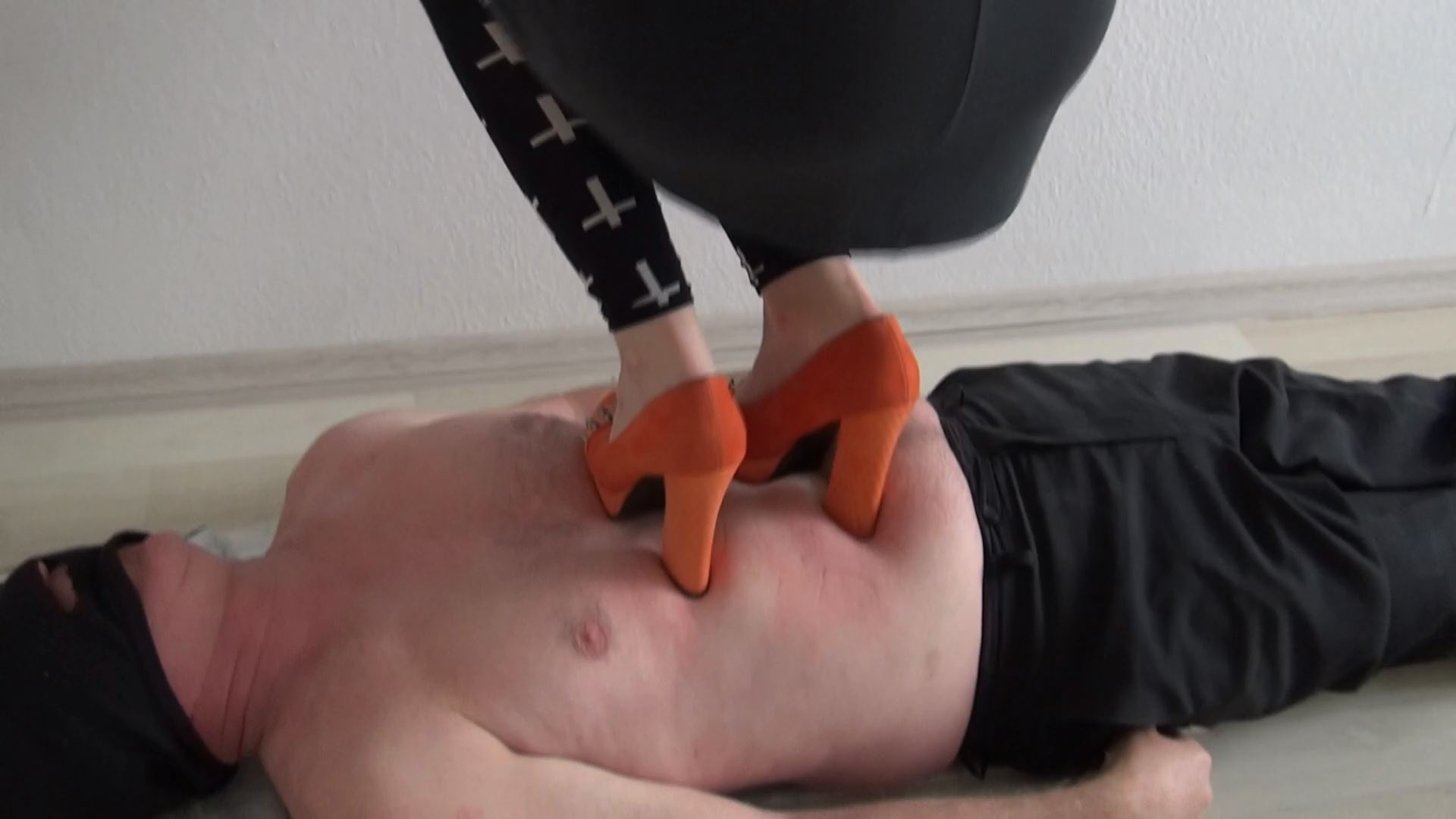 Lucy trampling in high heels - ABBIECATFETISH - FULL HD/1080p/MP4