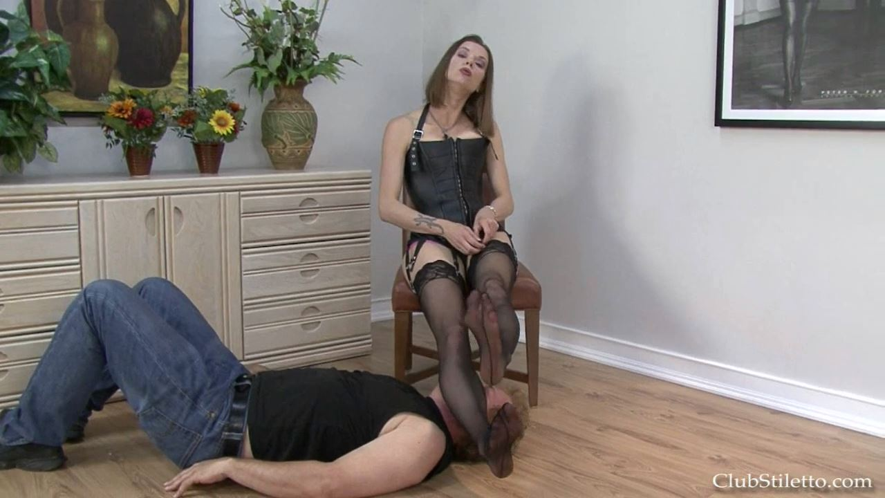 Mistress Bijou Steal In Scene: Shut Up and Worship MY Stinky Feet - CLUBSTILETTO - HD/720p/MP4