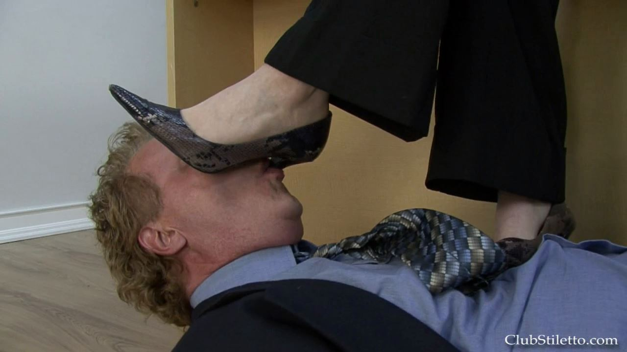 The Office, CEO Licks My Shoes - CLUBSTILETTO - HD/720p/MP4