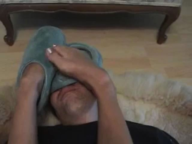 furry slipper smother - FETISHUNDERWORLD - SD/480p/MP4
