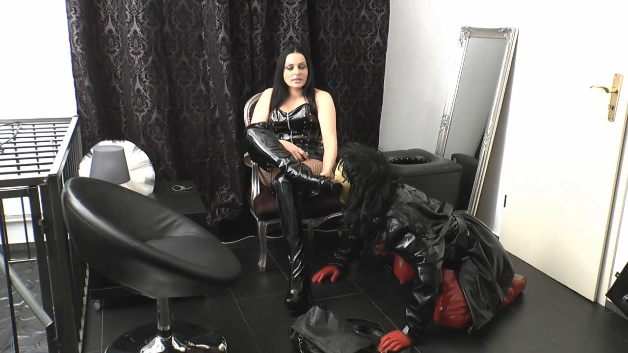 Mistress Lady Latoria In Scene: Made to property - CLIPS4SALE / LADY LATORIAS WORLD / HERRIN-LATORIA - HD/720p/MP4