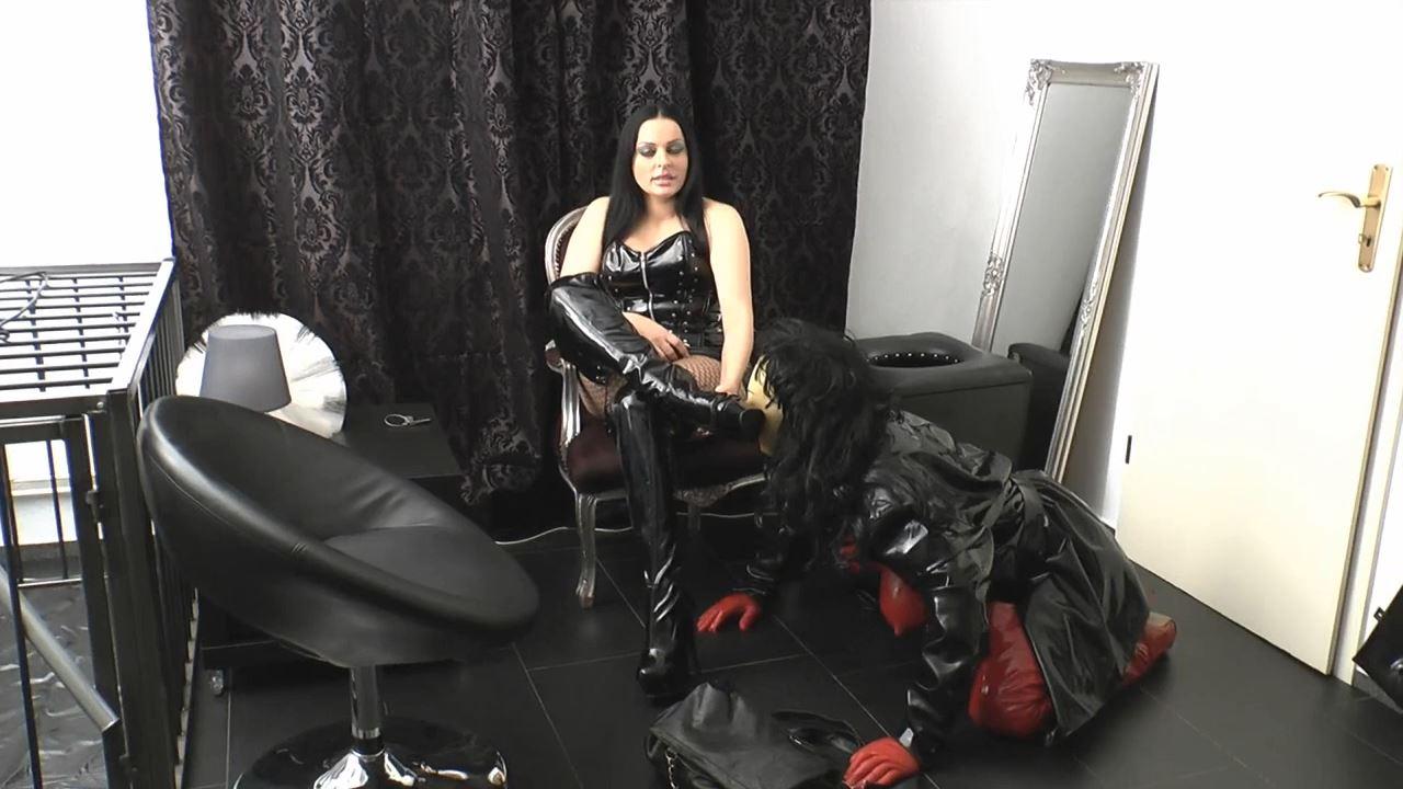Mistress Lady Latoria In Scene: Made to property - CLIPS4SALE / LADY LATORIAS WORLD / HERRIN-LATORIA - HD/720p/MP4