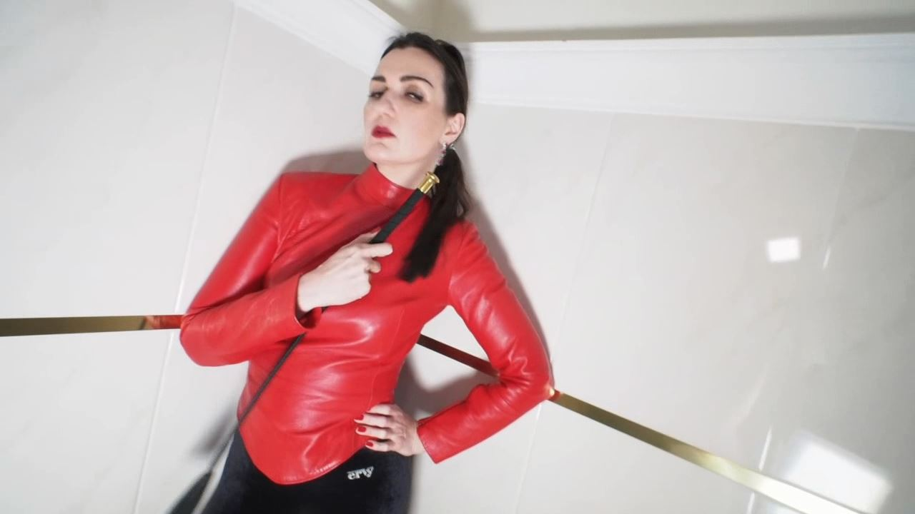 Lady Victoria Valente In Scene: Watch my beautiful posing pay pig - CLIPS4SALE / LADYVICTORIAVALENTE / REAL GERMAN MISTRESS - HD/720p/MP4