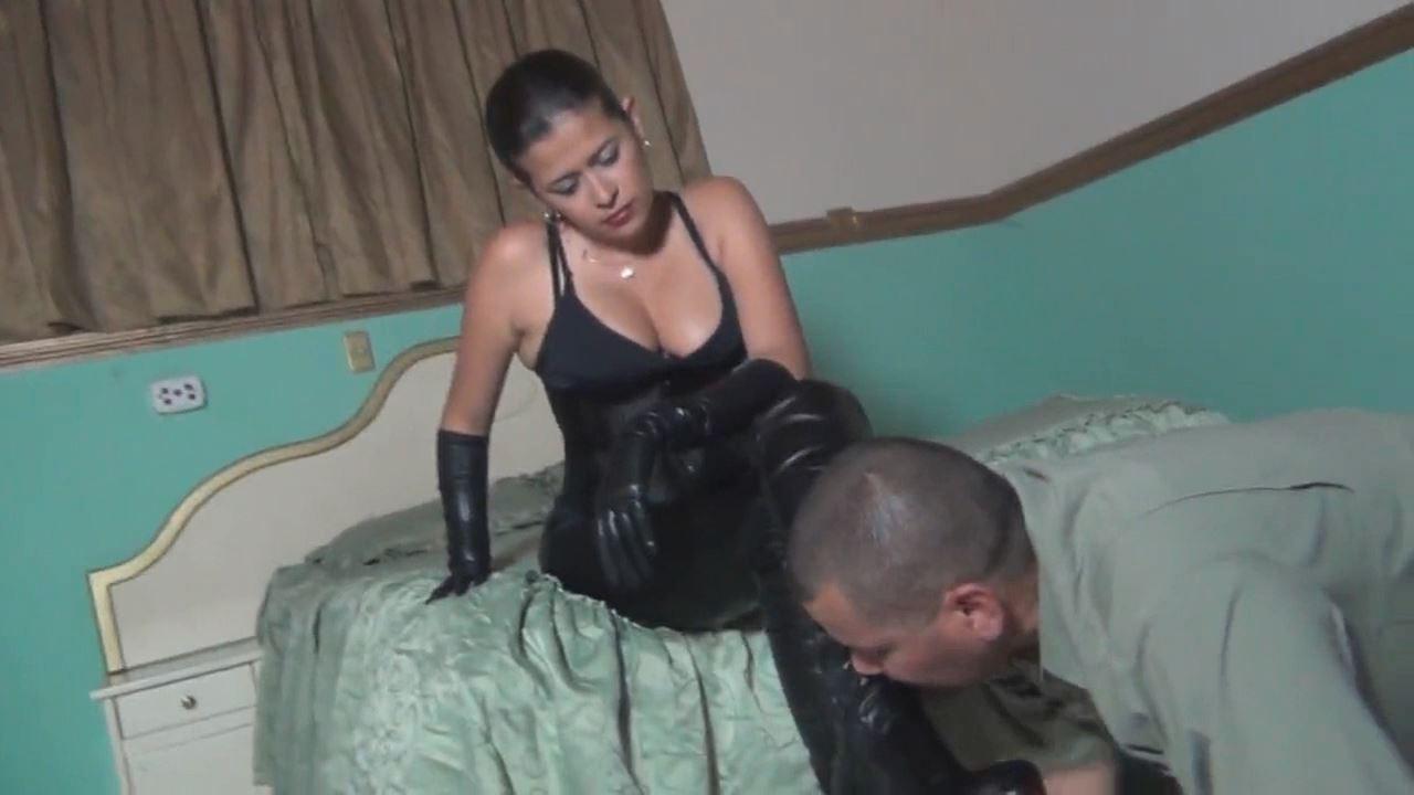 Kalinda In Scene: Face Slapping For The Stupid Slave - LATINBEAUTIESINHIGHHEELS - HD/720p/MP4
