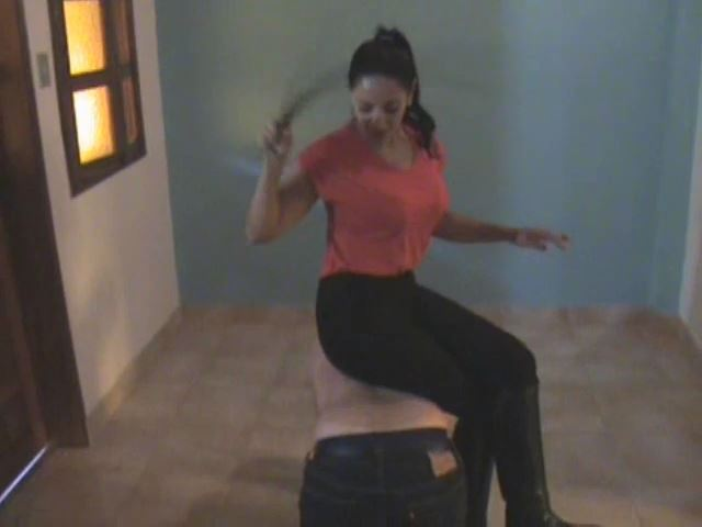 Krystall In Scene: Indoor Ponyboy Training - LATINBEAUTIESINHIGHHEELS - SD/480p/MP4