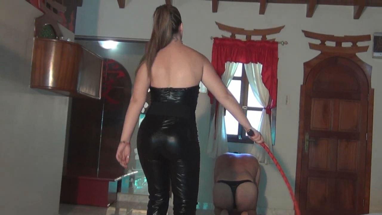 Wanda In Scene: Sadistic Bullwhipping - LATINBEAUTIESINHIGHHEELS - HD/720p/MP4