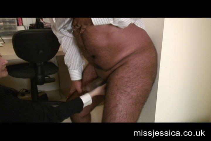 Jessica Wood In Scene: Close up ballbusting old boss revenge - MISSJESSICAWOODVIDEOS - SD/480p/MP4