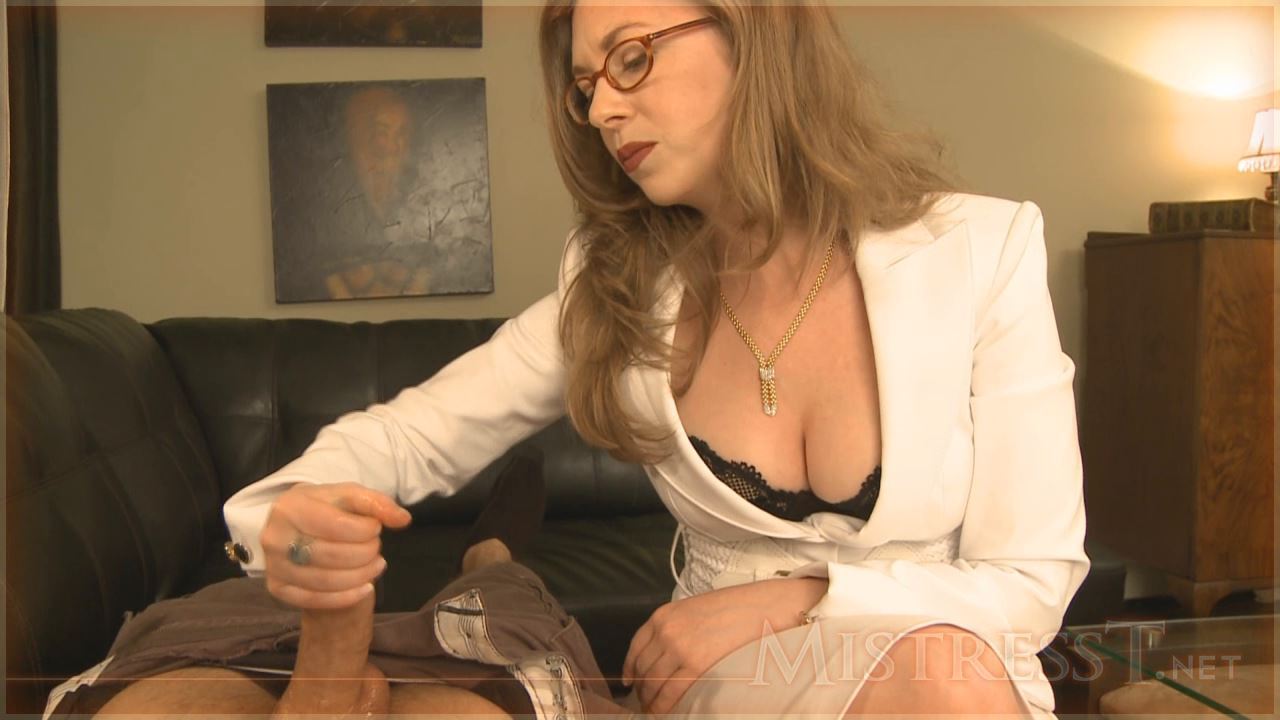 Mistress T In Scene: Auntie Teaches - MISTRESST - HD/720p/MP4