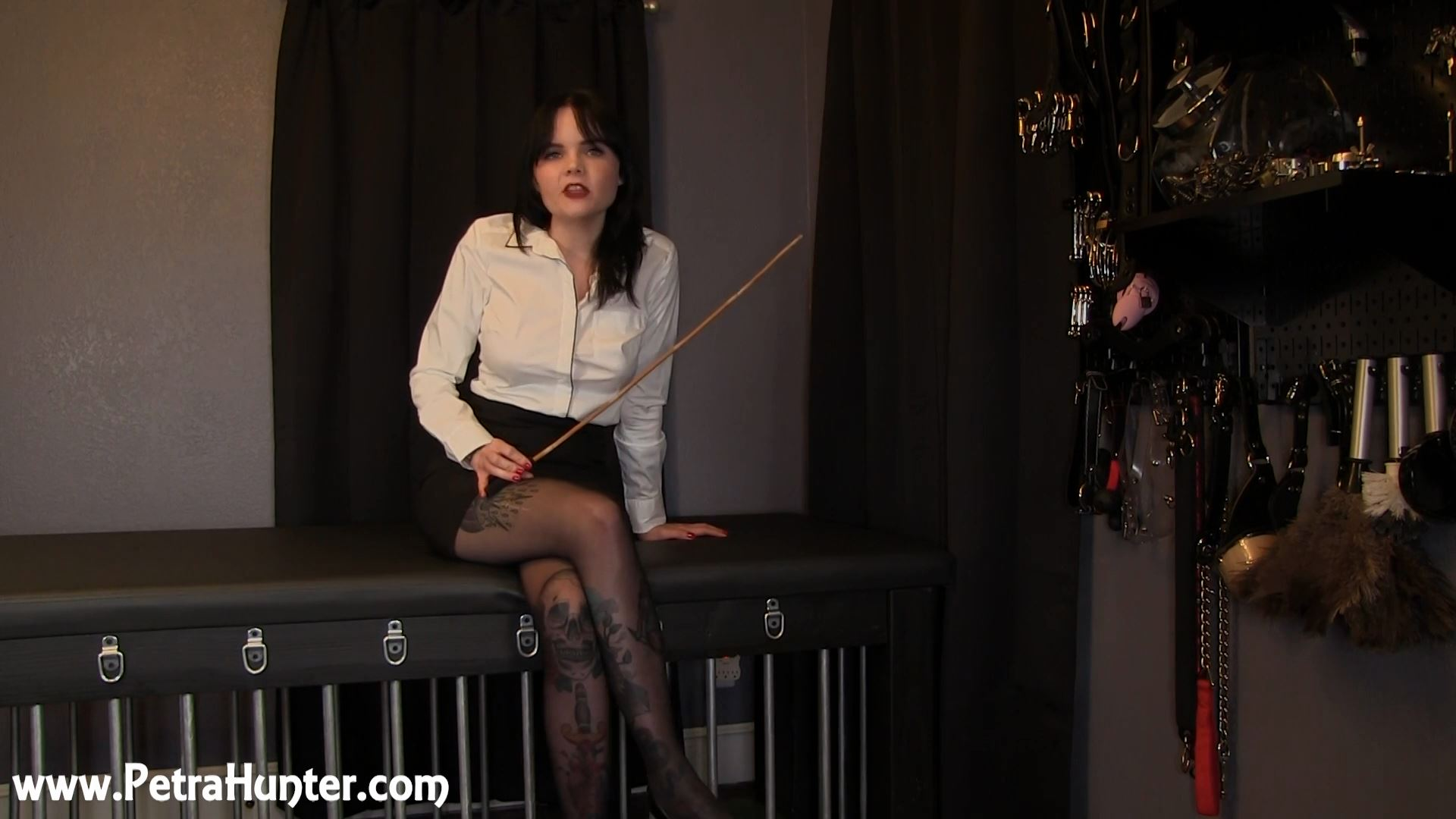 Mistress Petra Hunter In Scene: Annual Performance Review - STREAMPETRA - FULL HD/1080p/MP4