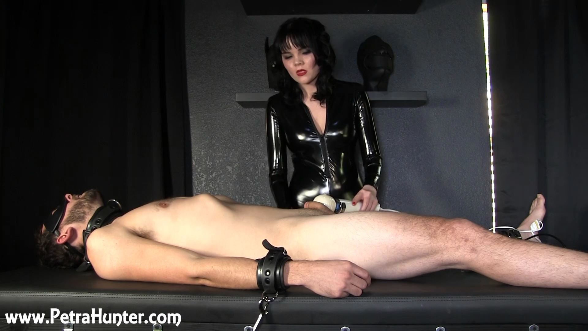 Mistress Petra Hunter In Scene: The Violet Wand Game - STREAMPETRA - FULL HD/1080p/MP4