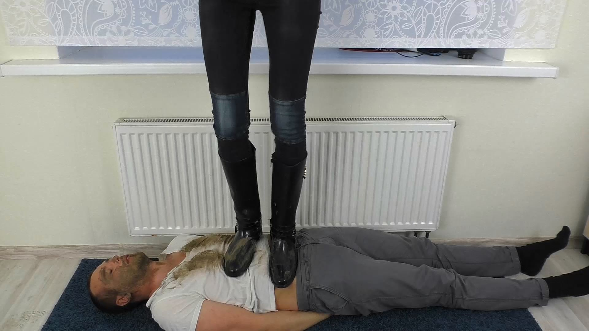 Smashed Face Under Dirty Boots - UNDER SWEET WEIGHT / CLIPS4SALE - FULL HD/1080p/MP4