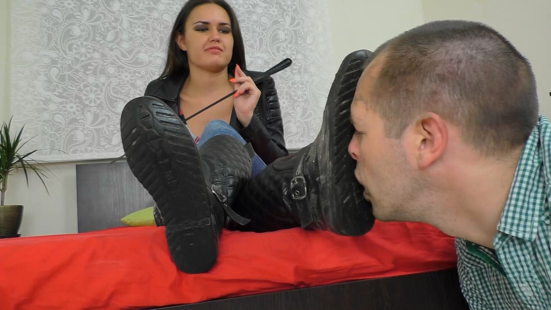 You Must Eat This Dirt - UNDER SWEET WEIGHT / CLIPS4SALE - FULL HD/1080p/MP4
