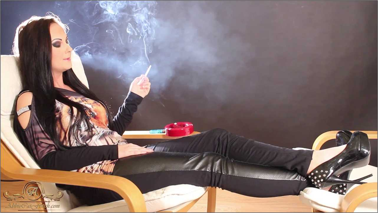 Goddess Nicky In Scene: Nicky Smoking and Relaxing - ABBIECATFETISH - HD/720p/MP4