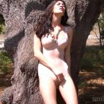 Amber Hahn In Scene: On The Tree – AMBERHAHN – HD/720p/MP4