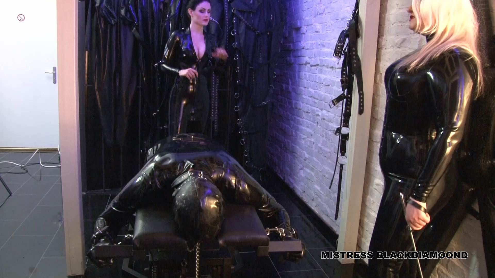 Mistress Blackdiamoond In Scene: Crushing In Latex Part 2 - CLIPS4SALE / MISTRESS BLACKDIAMOOND - FULL HD/1080p/MP4