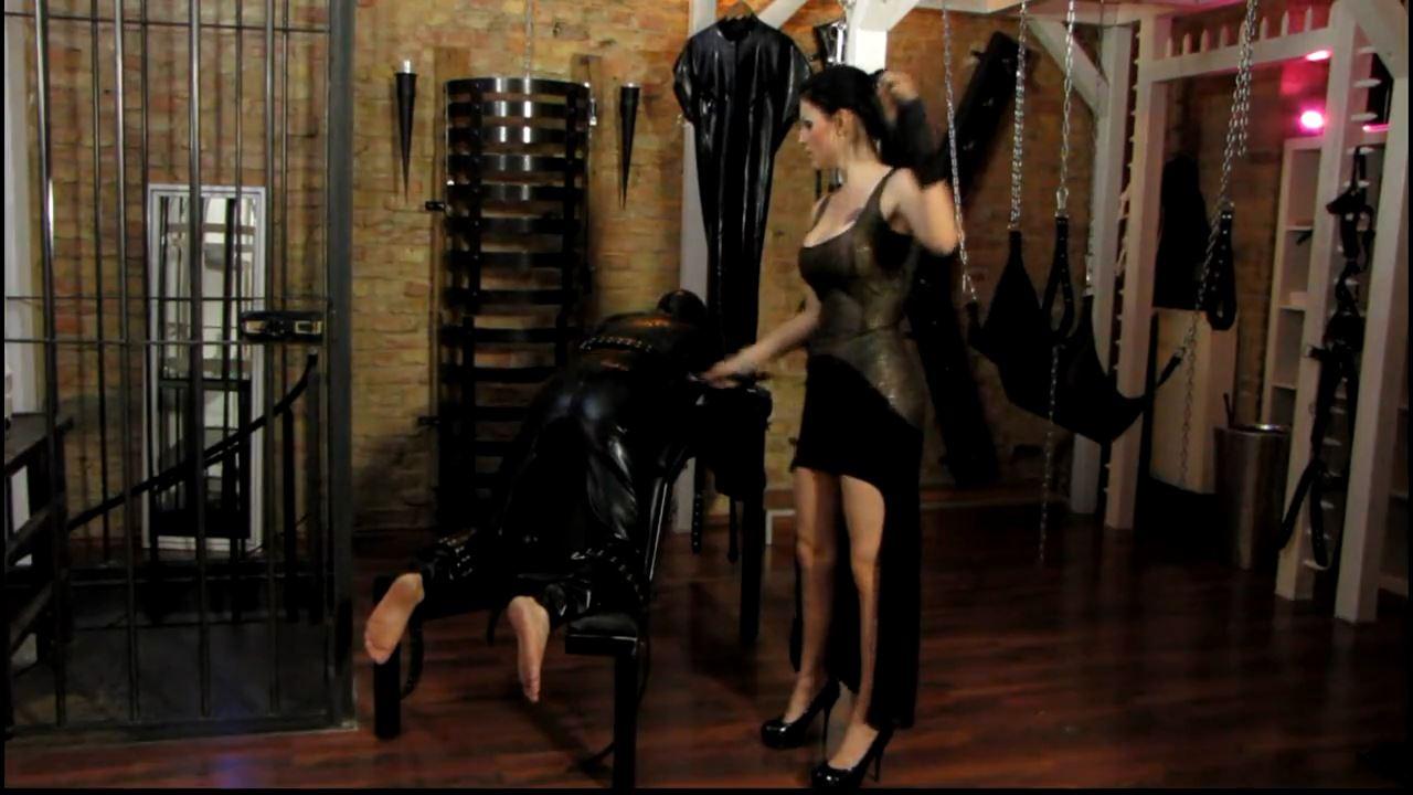 Mistress Blackdiamoond In Scene: Fetish wear whipping - CLIPS4SALE / MISTRESS BLACKDIAMOOND - HD/720p/MP4