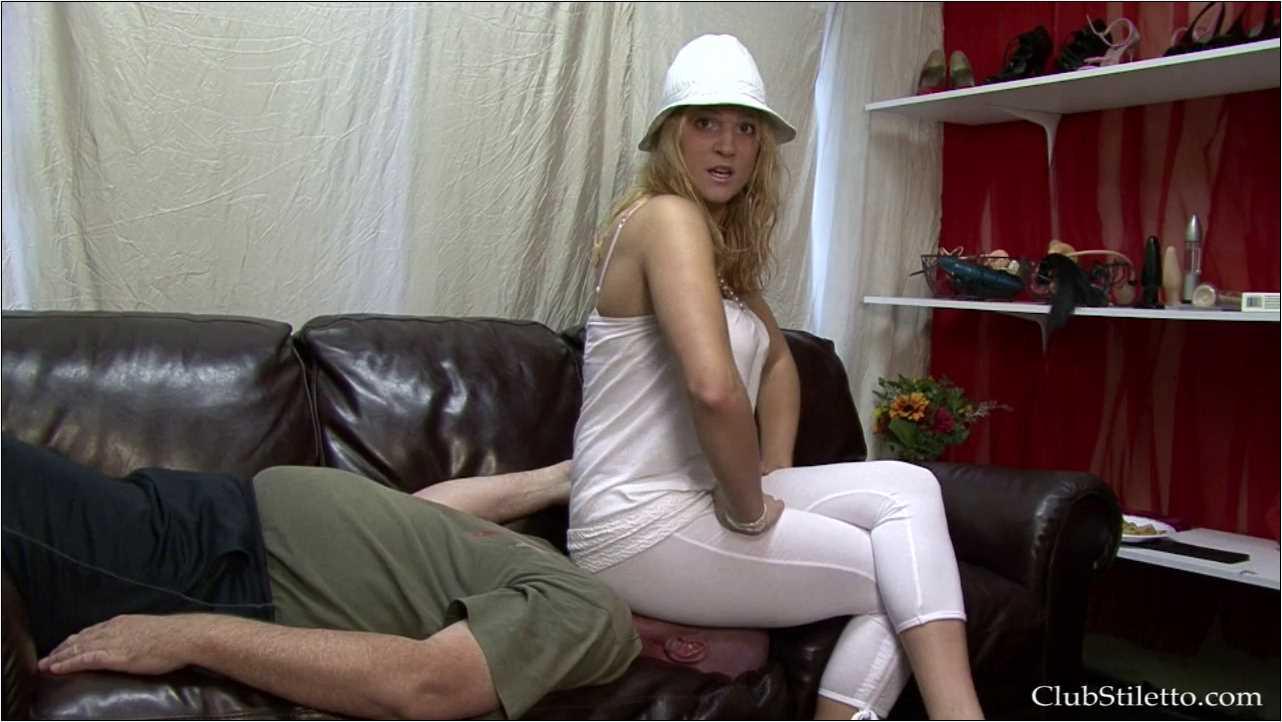 Mistress Britney In Scene: Lunch Break Face Perching - CLUBSTILETTO - HD/720p/MP4